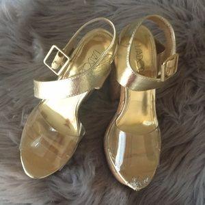 Shoes - Chic platform sandals